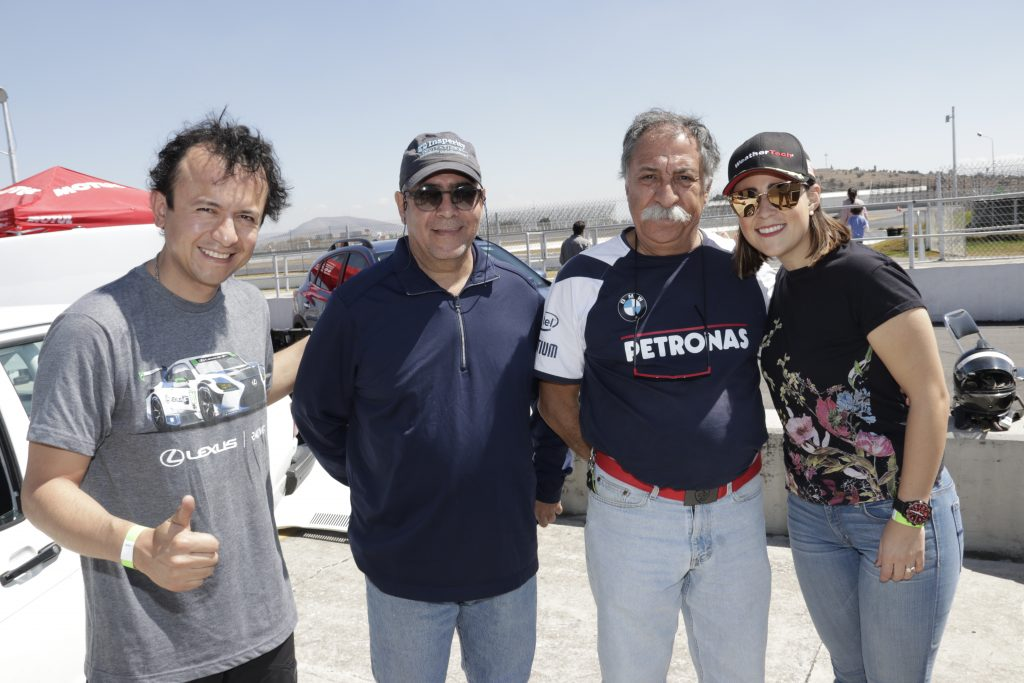 Andres, Sergio, Eduardo y Gisela