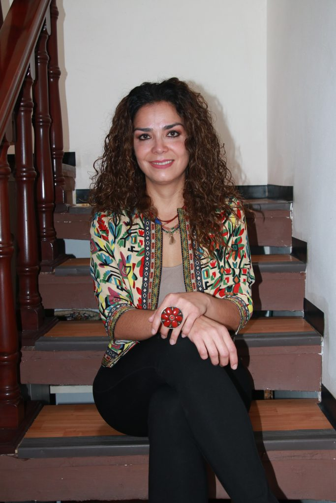 Gina es especialista en psicoterapia ericksoniana, y la hipnosis y técnicas de relajación