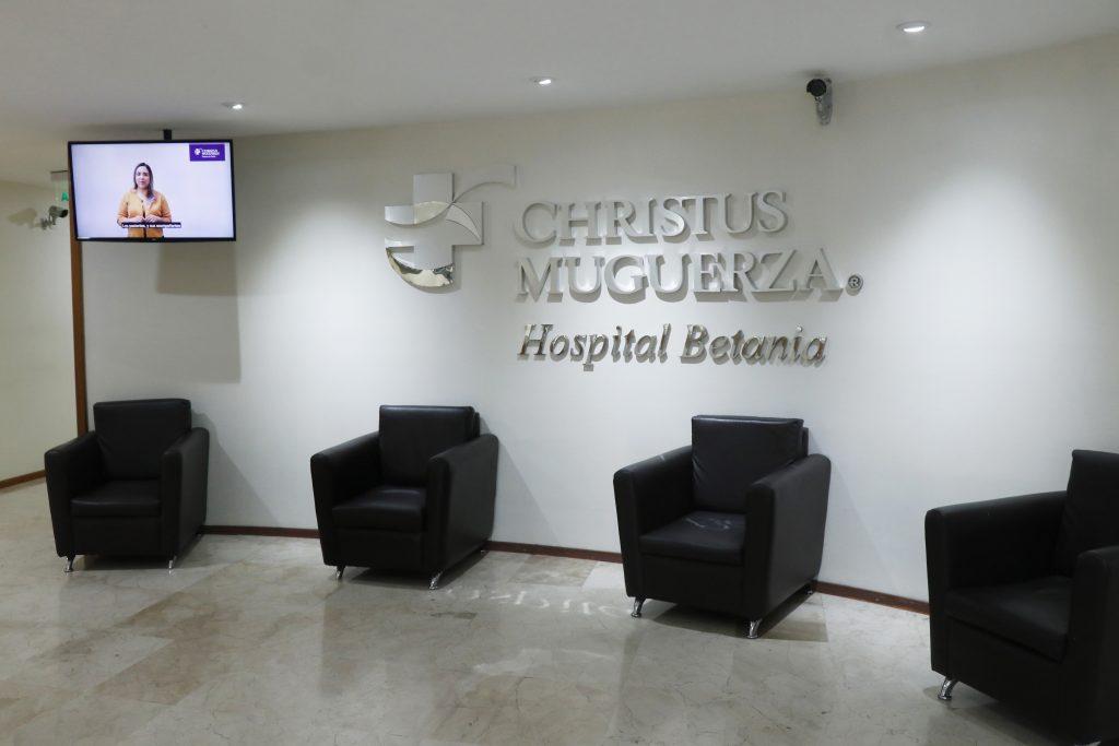 Puebla, México 22 Mayo 2020.- Personal México del Hospital Betania posa para la foto para especial de médico. Oscar Bolaños/Síntesis