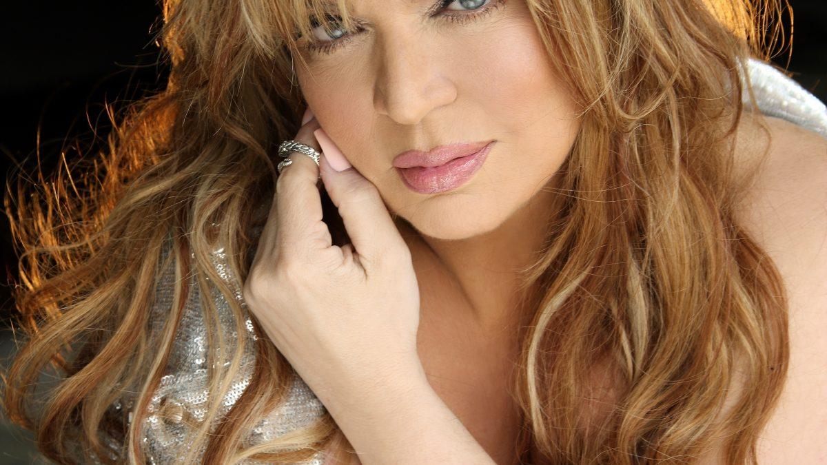 La cantante Ednita Nazario se suma a los conciertos virtuales
