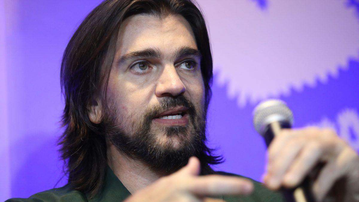 """Juanes hace un homenaje a Zoé con su propia versión de """"Vía Láctea"""""""