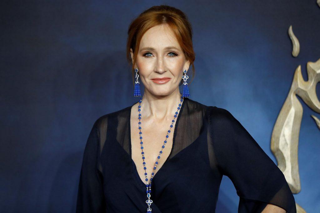 J.K. Rowling sugerirá escenas y personajes para que sean dibujados por los artistas y deberán aparecer en redes sociales con el hashtag #TheIckabog. Fotos: Especial / Los Rostros