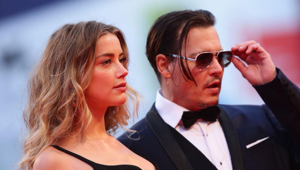 Johnny Depp retrasa el juicio contra Amber Heard