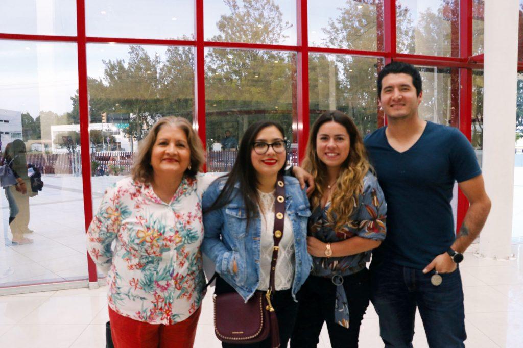 Verónica, Enid, Michelle y Carlos. FOTOS: ABRAHAM CABALLERO