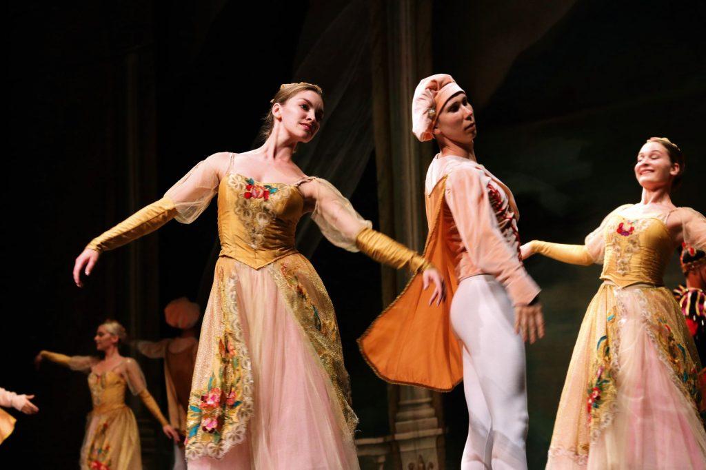 Uno de los ballets clásicos tradicionales más admirados en todo el mundo.  Fotos: Abraham Caballero