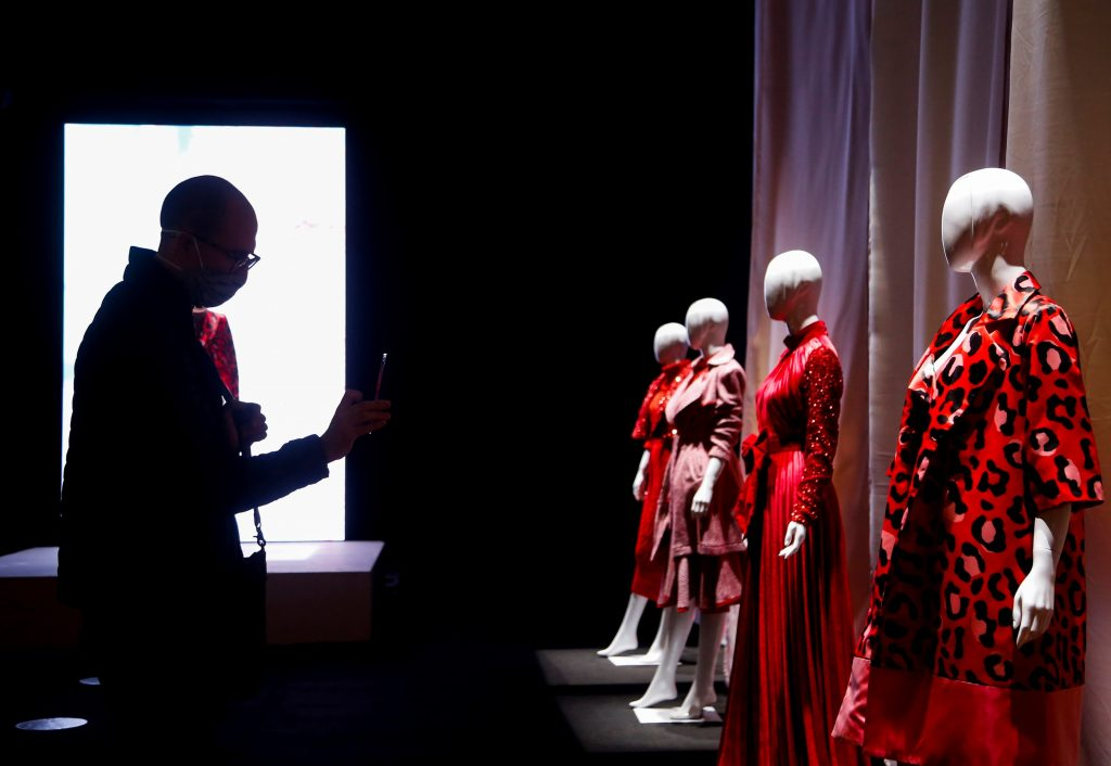 """View of designs of the mexican Benito Santos of his new collection """"Musa Numero Uno"""" during the fashion inauguration held at Expo Guadalajara, Jalisco state, Mexico, 01 September 2020. A walk of mannequins with haute couture garments launched Intermoda on Tuesday, the platform for the clothing industry that brings together 6,000 buyers and seeks to reactivate the industry after months of isolation due to the COVID-19 pandemic. EFE / Francisco Guasco"""