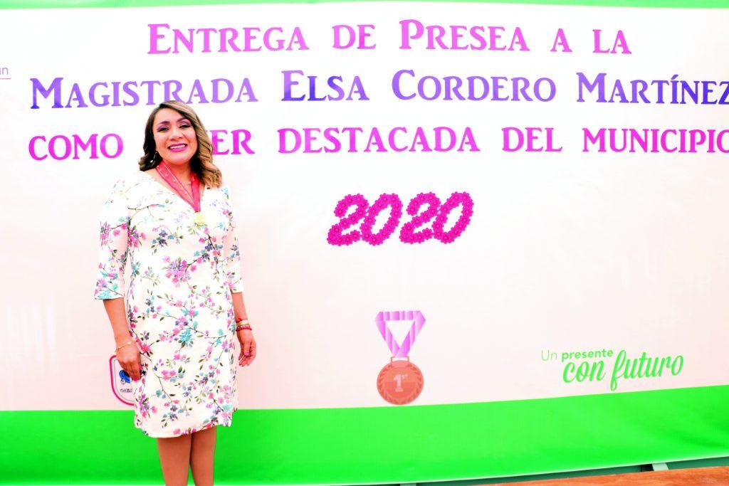 Elsa Cordero Martínez, obtuvo la presea, por su notoria labor a nivel municipal, estatal y nacional. FOTOS: ABRAHAM CABALLERO