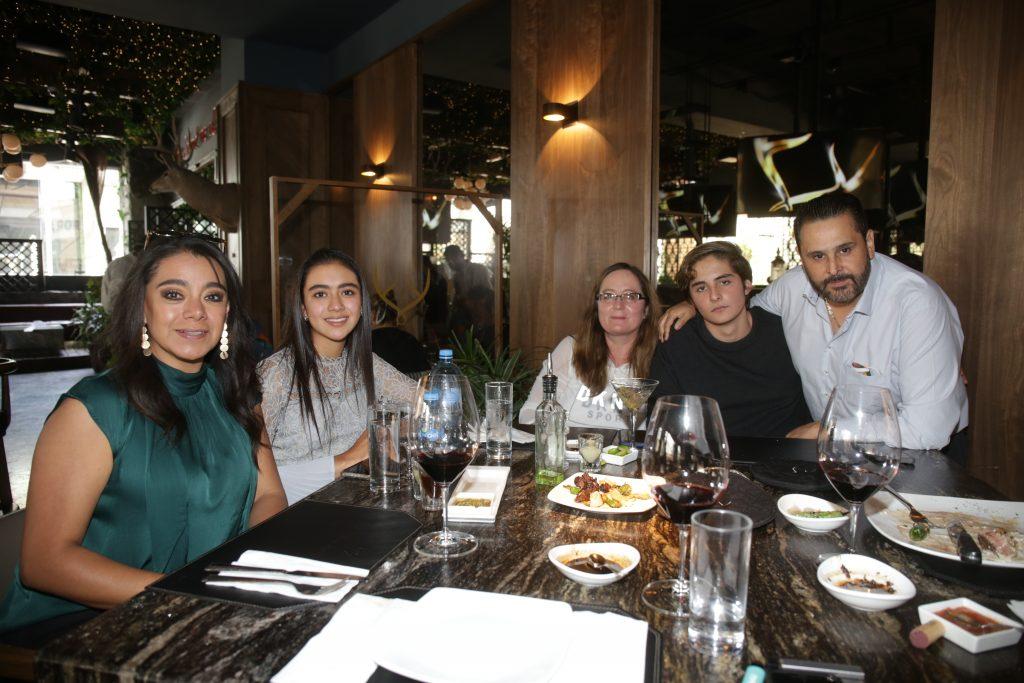 Familia Escobedo Rodríguez y Camarillo. Fotos: Daniela Portillo / Guillermo Pérez