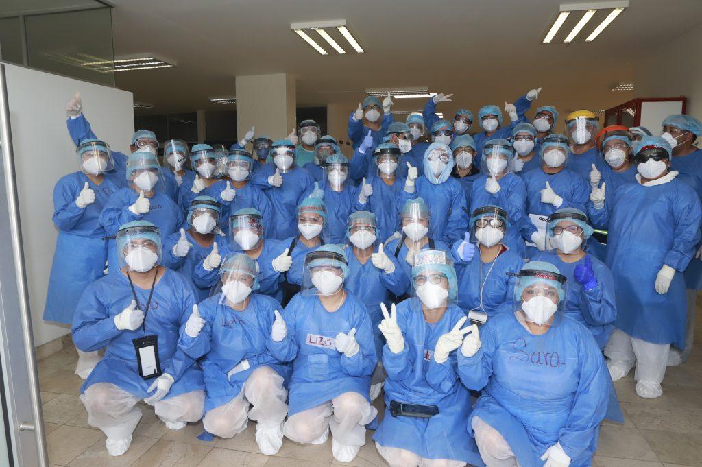 PUEBLA, Pue.,09 JUNIO 2020. Personal médico del área Covid del ISSSTEP.  Imelda Medina/Síntesis