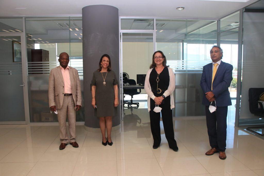 Dr. Ángel Siolo Julio, C.P. Pilar Gaviria Cardona, Dra. Adriana Blandón Castillo, Dr. Oscar Capuro Alfaro. Fotos: Antonio Aparicio