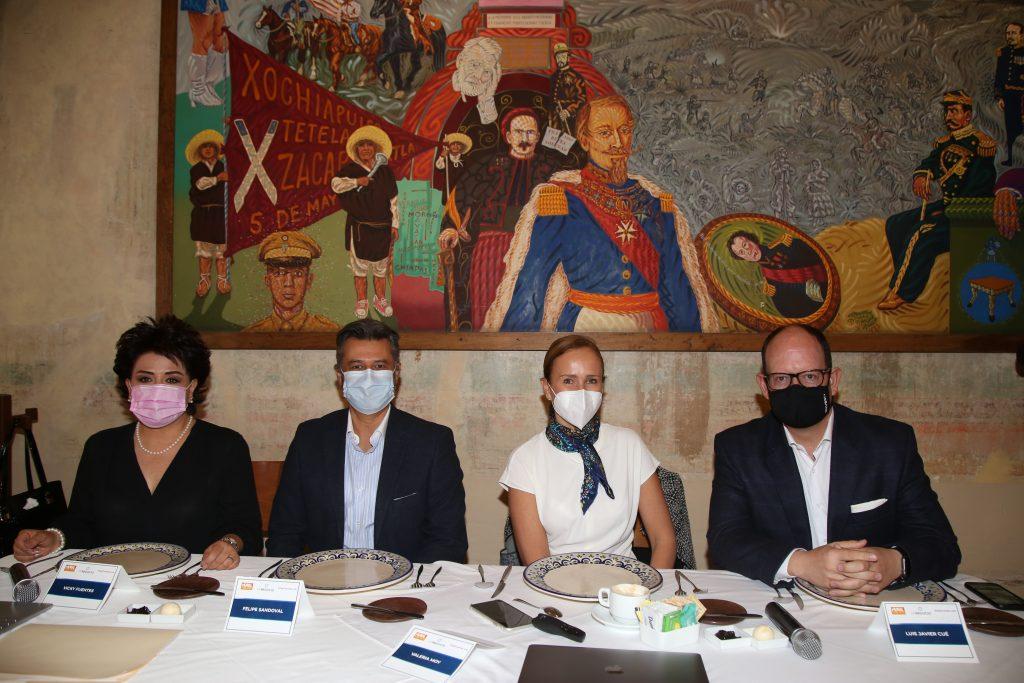 Vicky Fuentes, Felipe Sandoval, Valeria Moy y Luis Javier Cué. Fotos: Antonio Aparicio