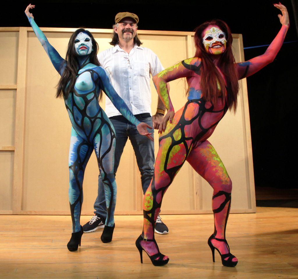 Se realizó un taller de Body Paint. Fotos: Antonio Aparicio
