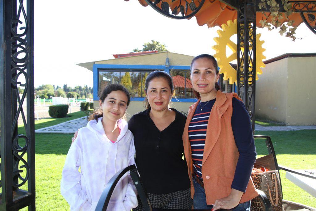 Mariana Falcon, Karla Valencia y Mariana Valencia. Fotos: Antonio Aparicio