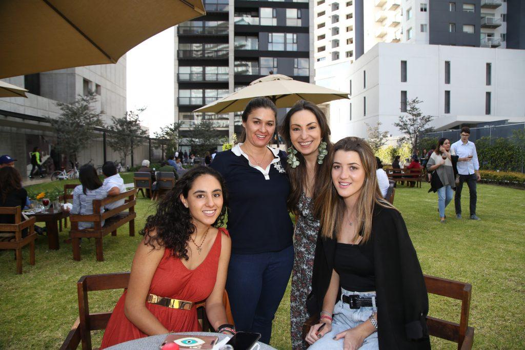 Paula González, Carolina, Ana García y Rebeca Said. Fotos: Antonio Aparicio