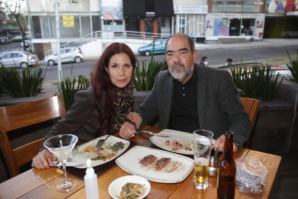 Claudia Montelongo y Federico Hess. Fotos: Daniela Portillo / Antonio Aparicio