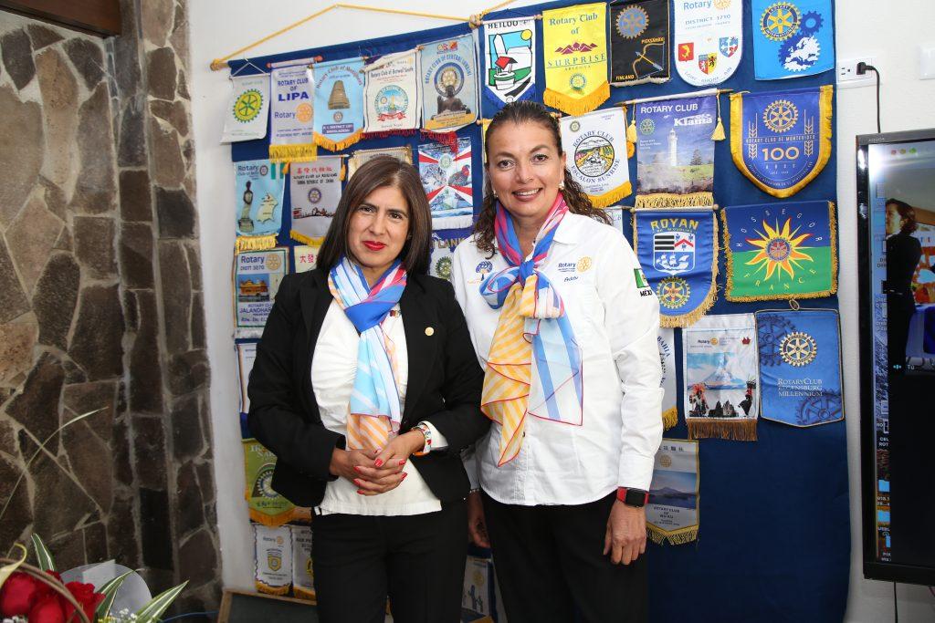 Charo Gutiérrez y Adriana Martínez. Fotos: Antonio Aparicio