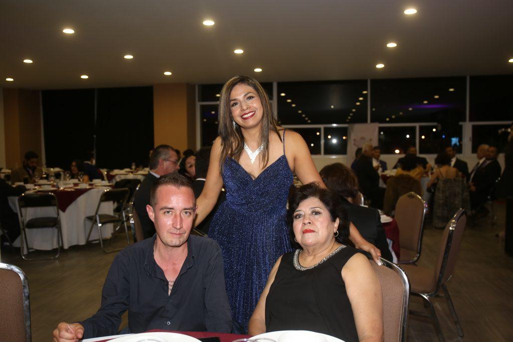 Ricardo Corro, Marta Sánchez y Heidi Axalco. Fotos: Daniela Portillo