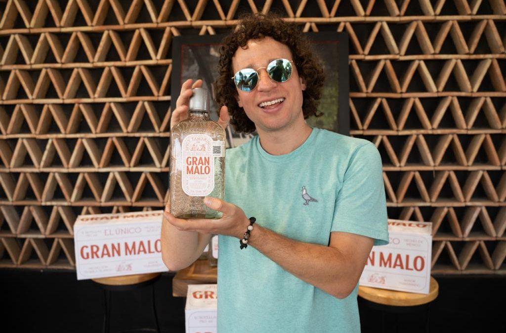 Luisito Comunica presenta nuevo tequila