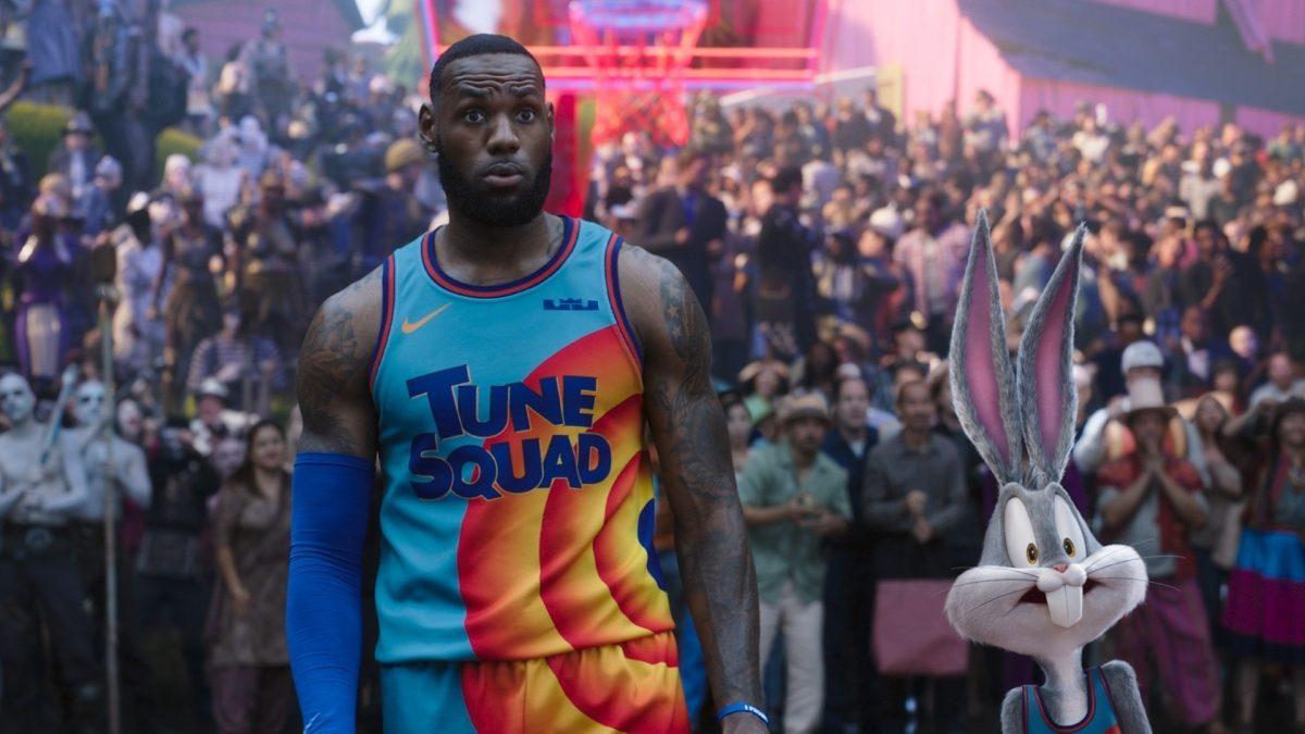 LeBron James lidera la taquilla en cines de EE.UU.
