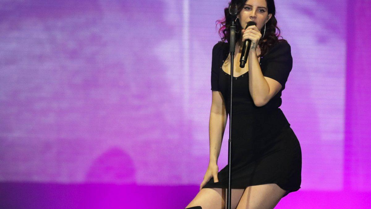 """Lana del Rey anuncia para el 22 de octubre su disco """"Blue Banisters"""""""