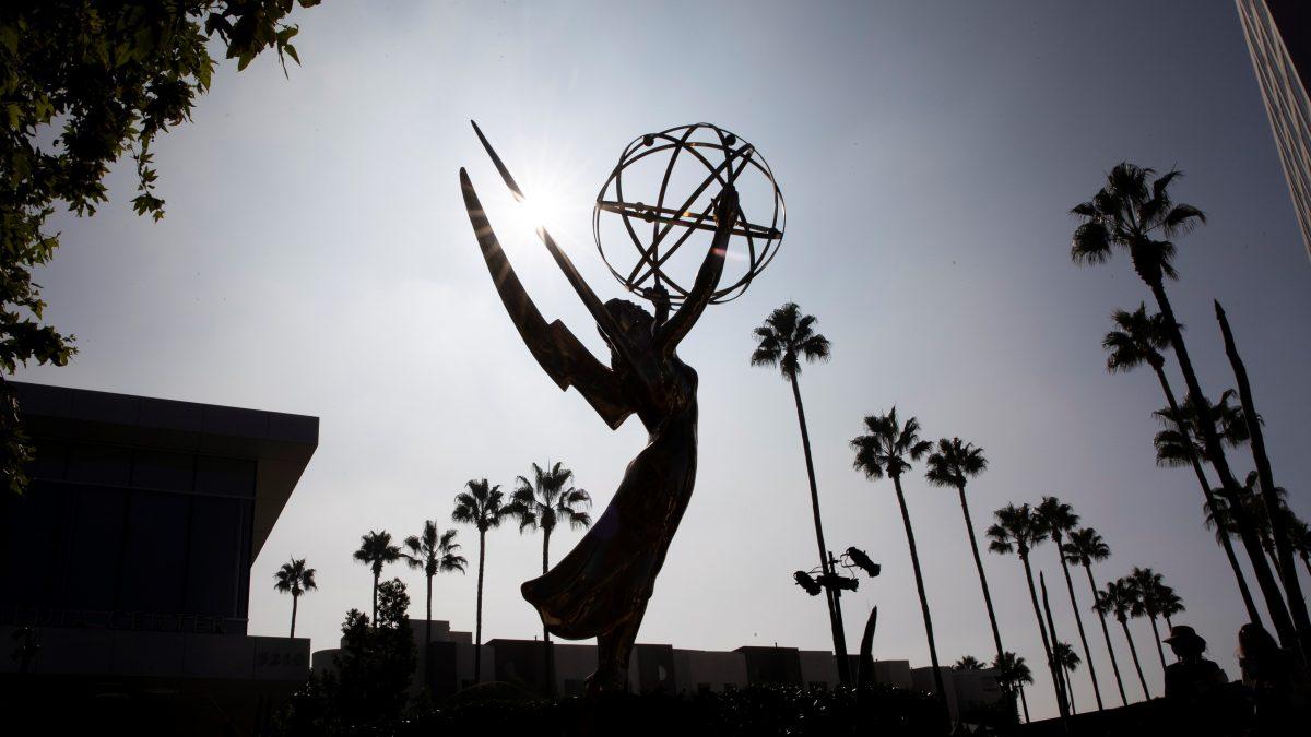 Los Emmy celebran hoy una gala reducida a última hora por la pandemia